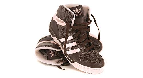 Baskets Adidas Metro Attitude