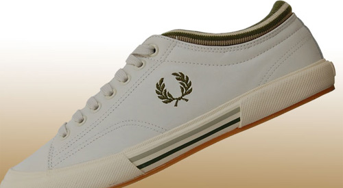 baskets-fred-perry-blanche