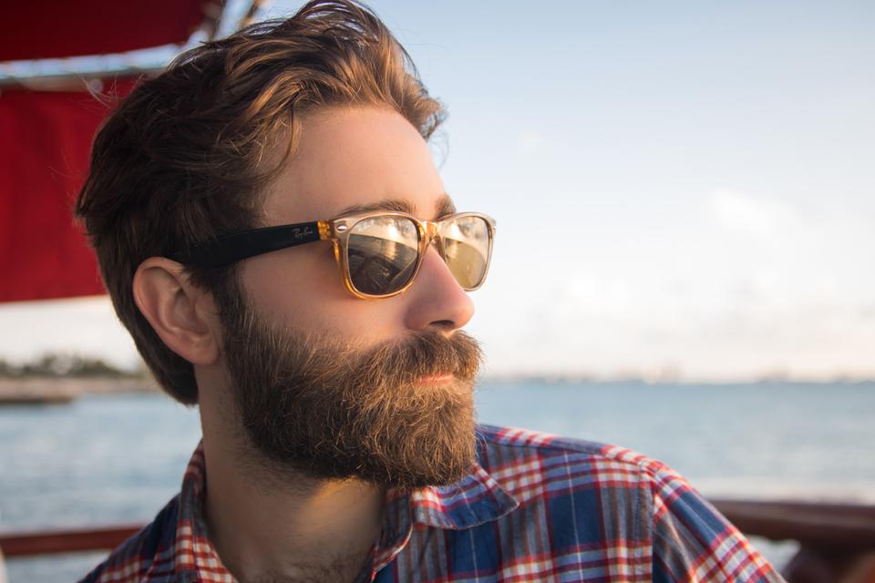 Homme lunettes de soleil