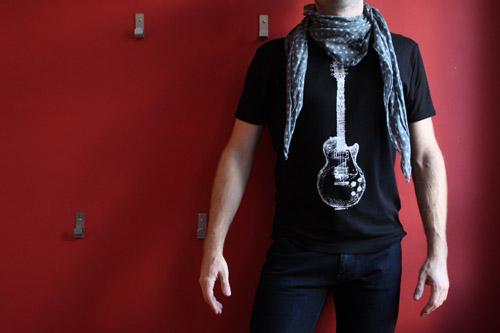t-shirt-rock-foulard