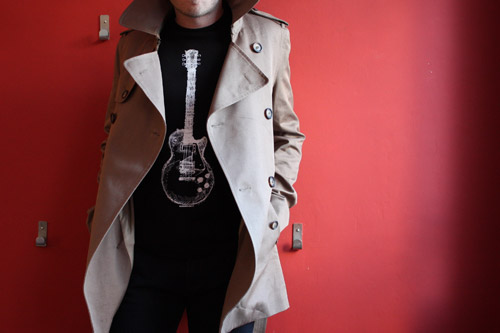 t-shirt-rock-trench