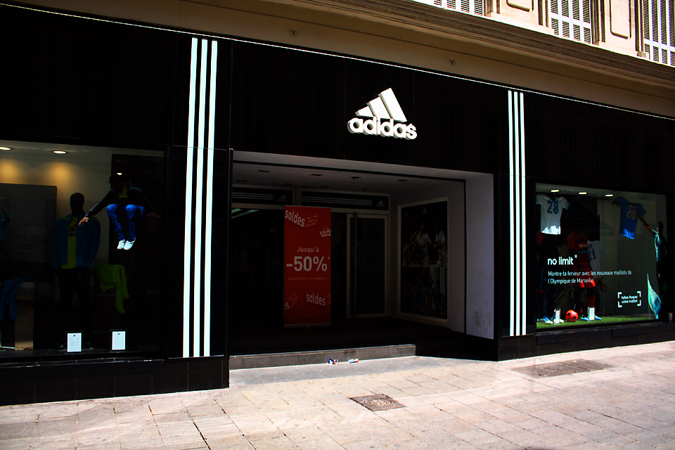 adidas store marseille horaires adresse t l phone plan avis. Black Bedroom Furniture Sets. Home Design Ideas