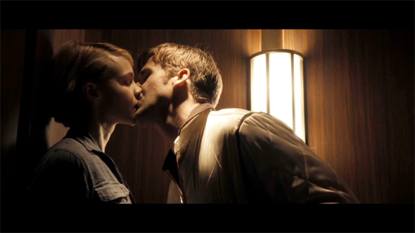Carey mulligan drive kiss