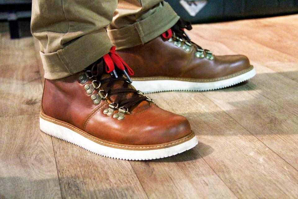 10-boots-abington
