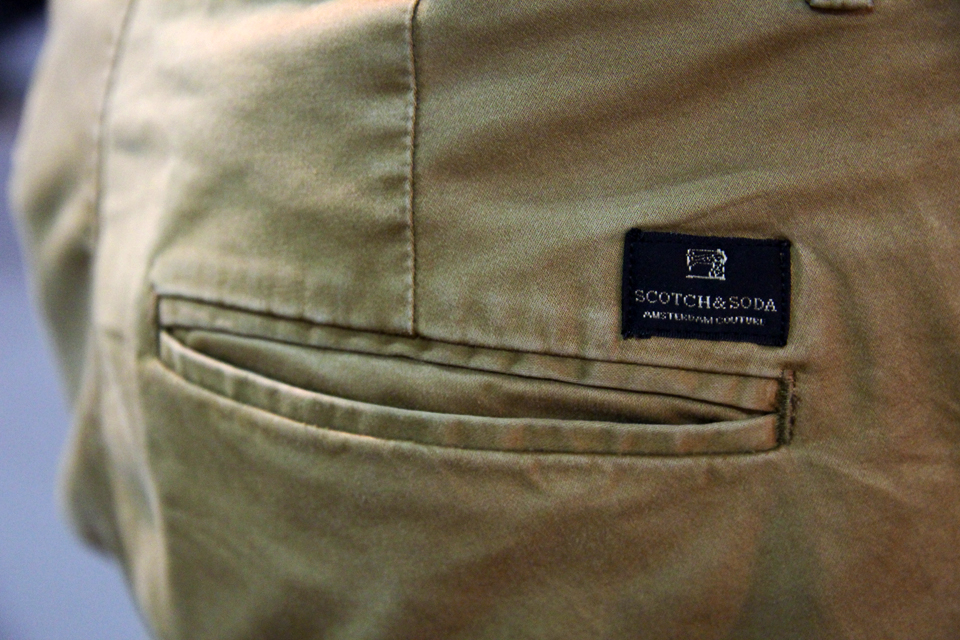 7-chinos-scotch-soda
