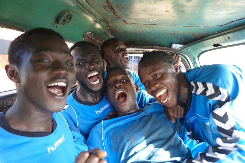 Une équipe de Sierra Leone sponsorisée par Hummel
