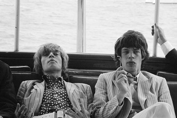 Brian Jones (gauche) et Mick Jagger (droite) icones mods