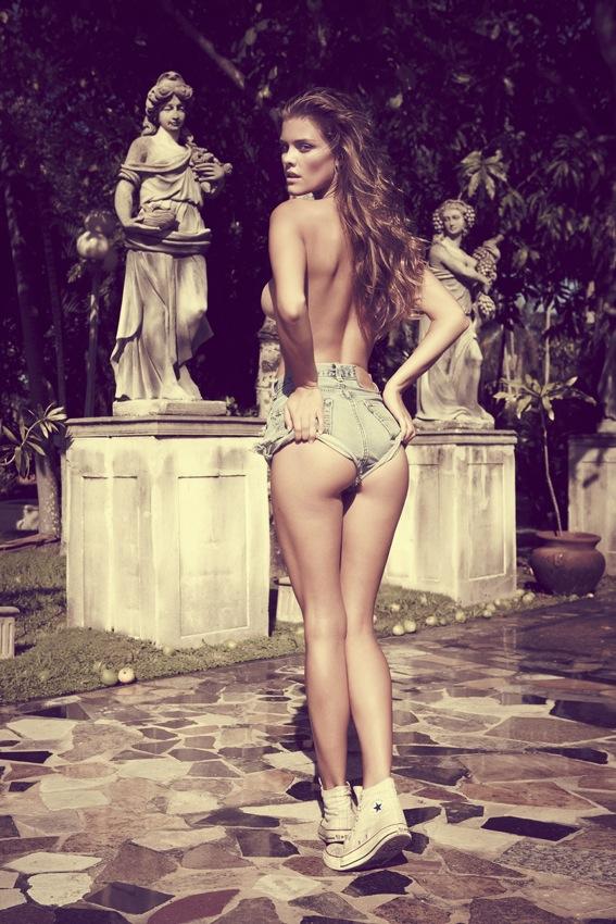 Nina Agdal hot