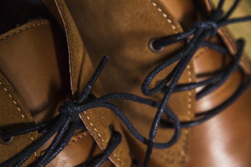 lects desert boots moustache