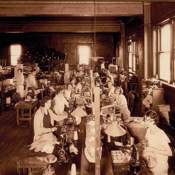 new era cap company 1924