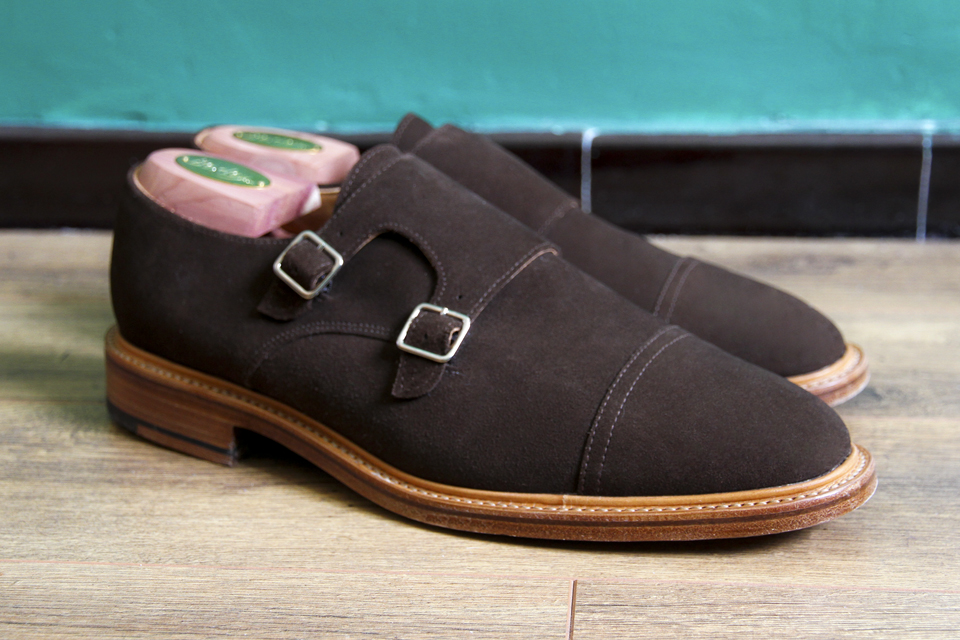 chaussures-double-boucles-mark-mcnairy-marron-suede