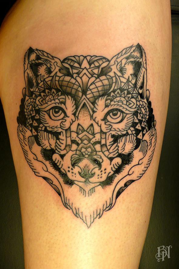 10 tatoueurs conna tre sur paris - Tatouage blanc sur peau noir ...