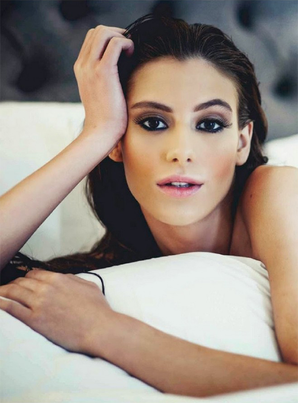 Alejandra Guilmant Esquire lit