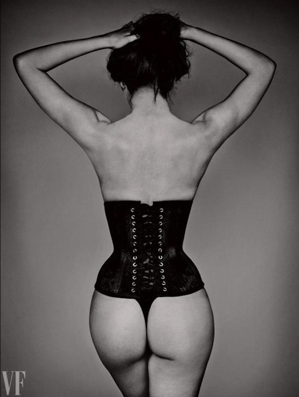 Jane Selter corset fesses