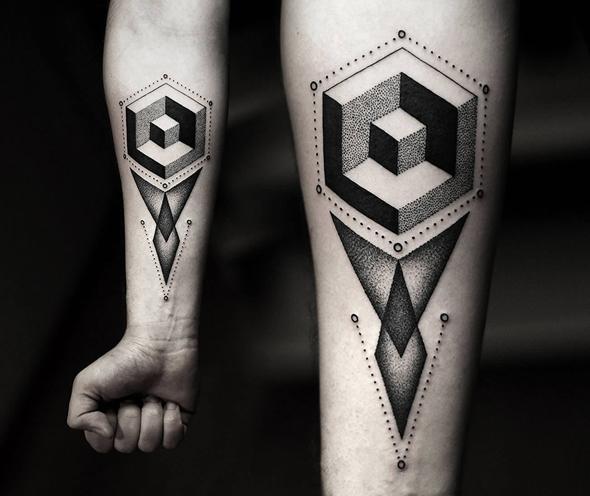 tatouage-bras-géométrique-cube