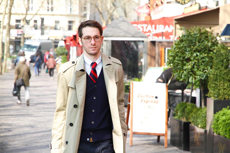 Tony dans la rue Paris