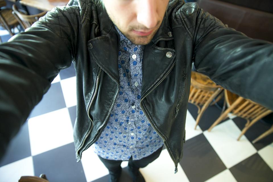 selfie romano garagerocker