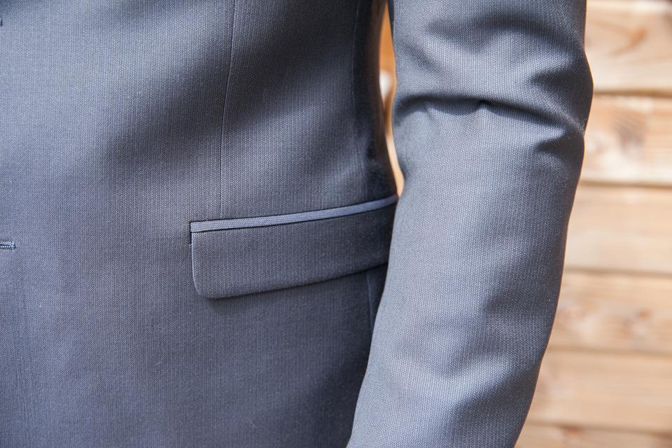 costume-de-fursac-gris-focus-poche-veste-bas