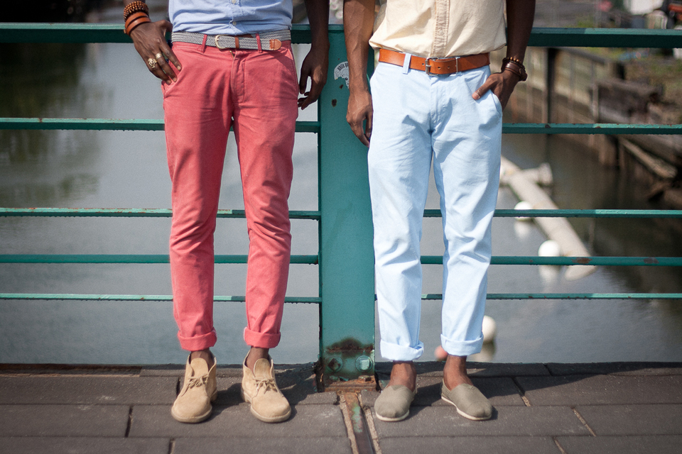 chinos homme colorés