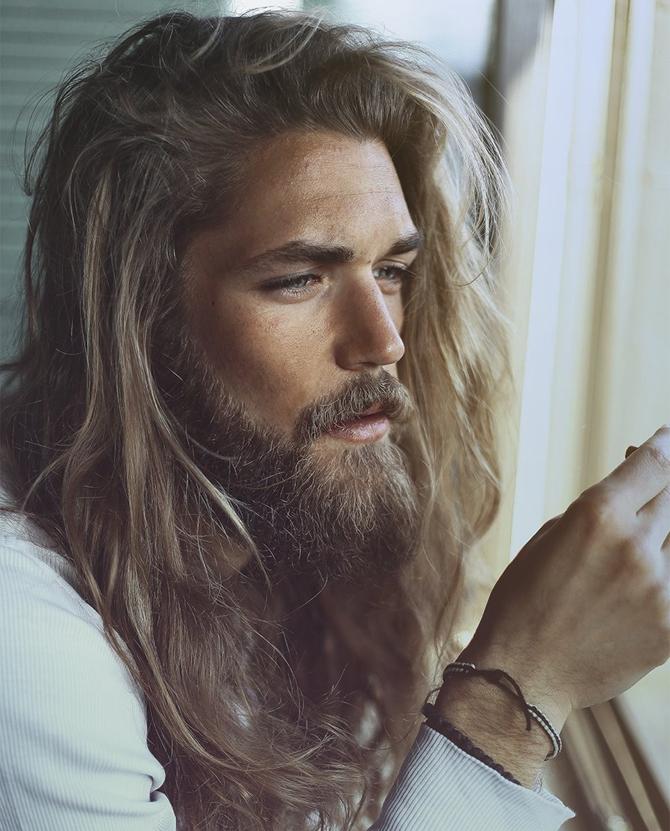 Coupe de cheveux long devant court derriere homme
