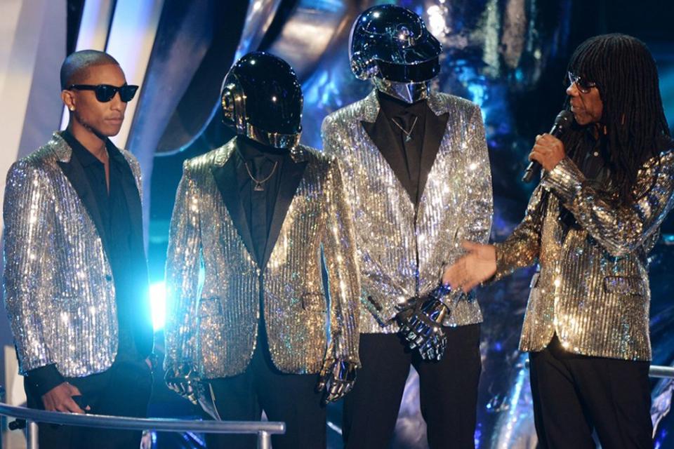 pharrell williams daft punk shiny suit
