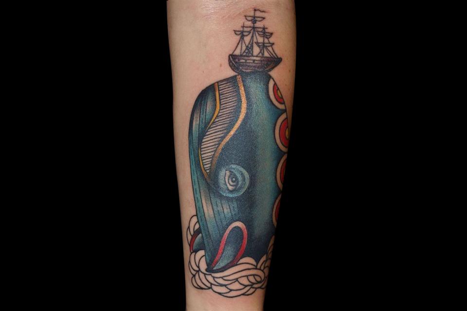 Tatouage marin baleine