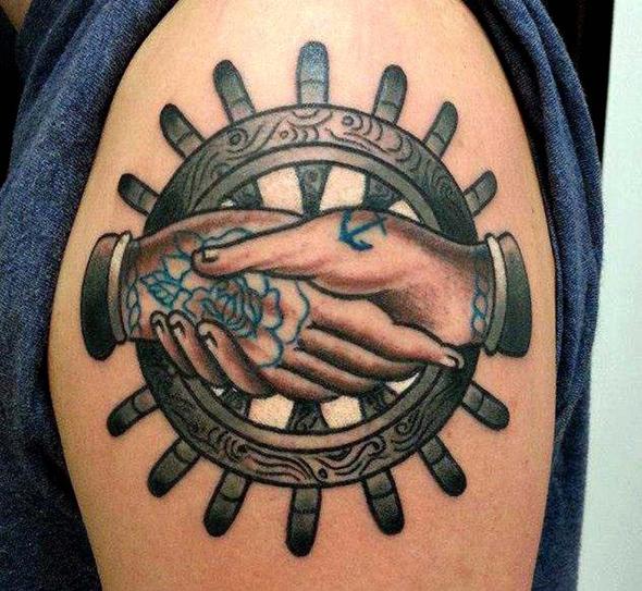 tatouage marin barre