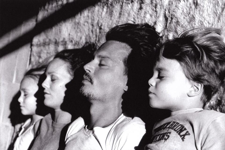 Icone-de-style-Johnny-Depp-family-vanessa-paradis