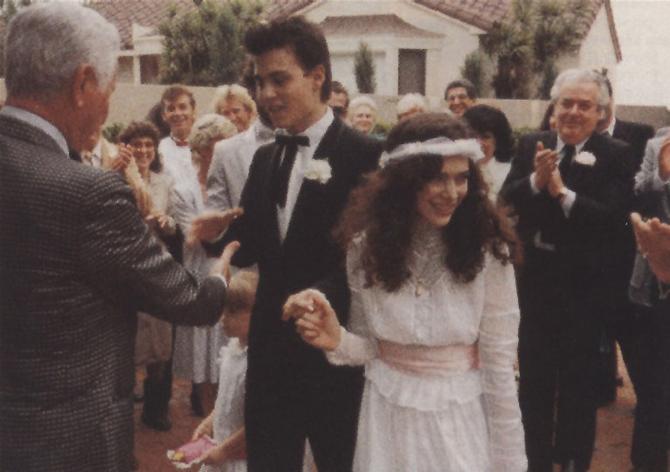 icone-de-style-johnny-depp-first-wedding-lori-anne-allison