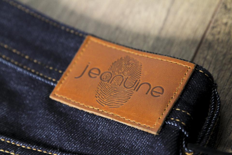 jeanuine patch cuir