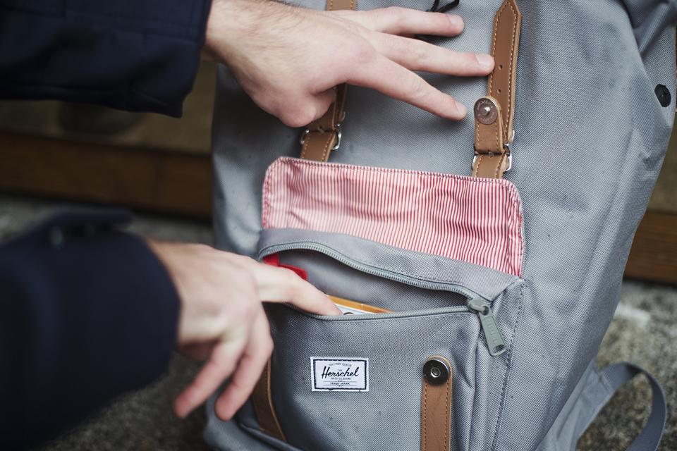 sac herschel little america mid gris poche zippée