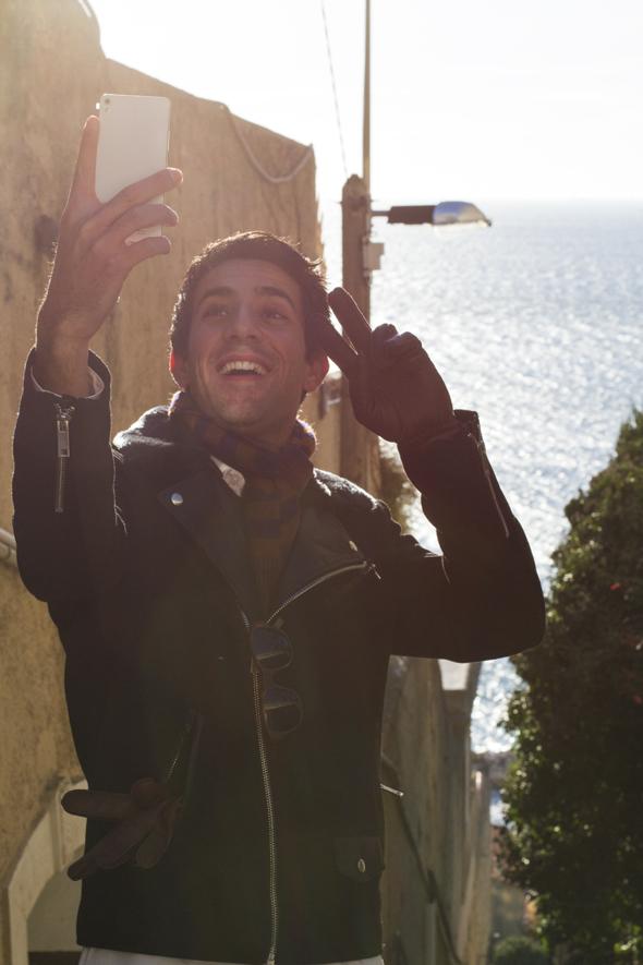 selfie telephone kazam