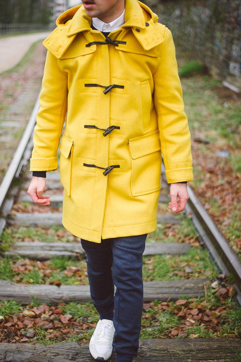 duffle coat jaune vicomte a jogpant nike shirt menlook label