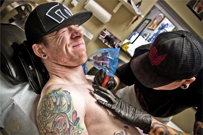 10 choses à savoir avant de se faire tatouer douleur