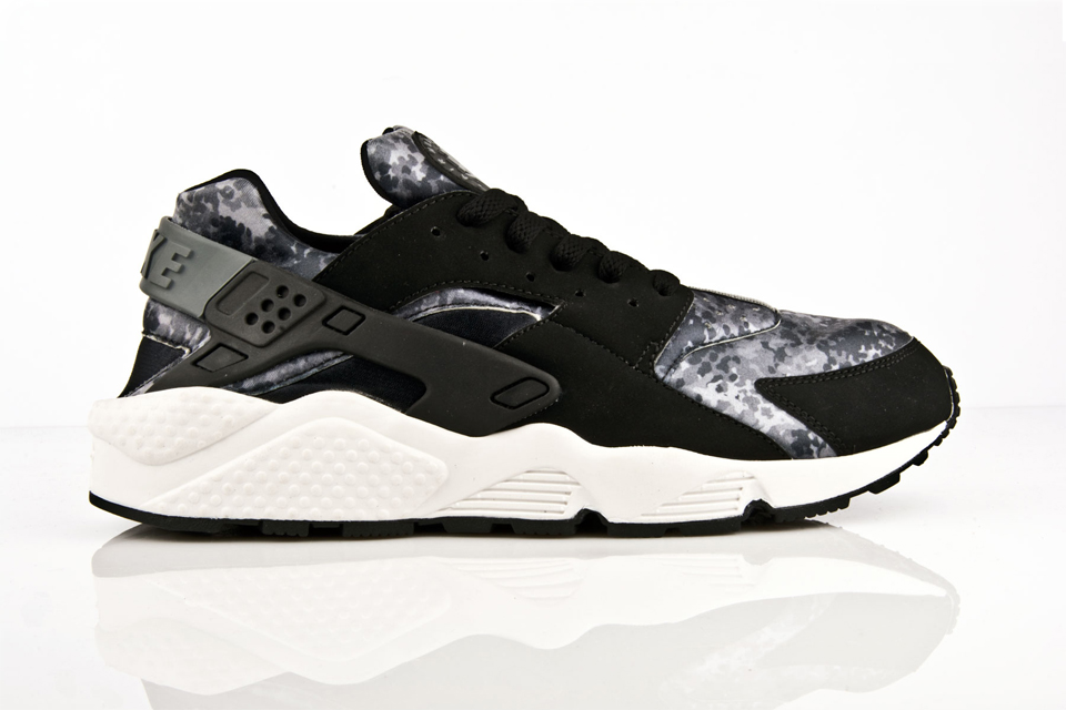 finest selection d968d 7cebc Nike Air Huarache Camo pack Footlocker Exclusive (2015)