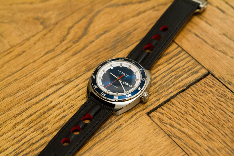 hamilton-pan-europ-bracelet-cuir-noir