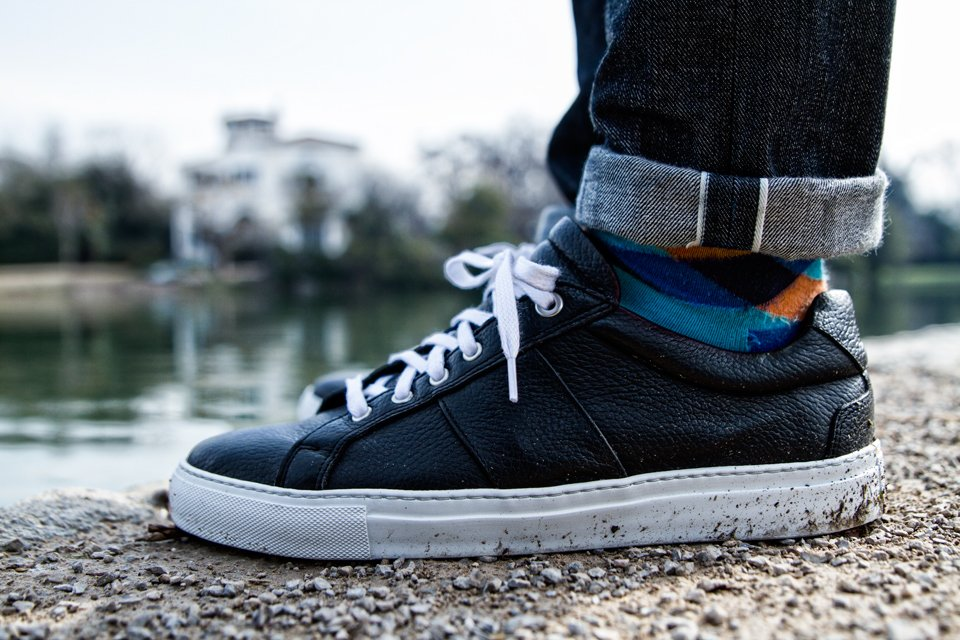 sneakers-national-standard-black-edition