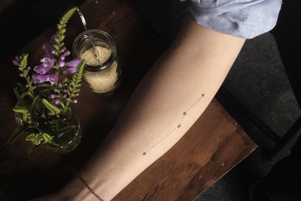 Tatouage pointillés