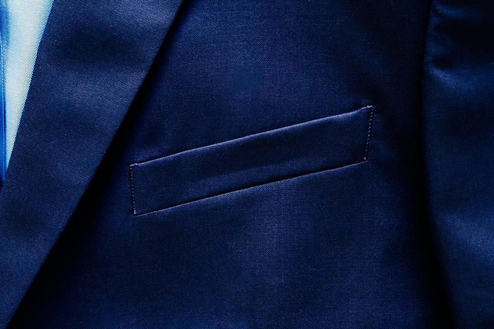 poche poitrine costume cavalier bleu
