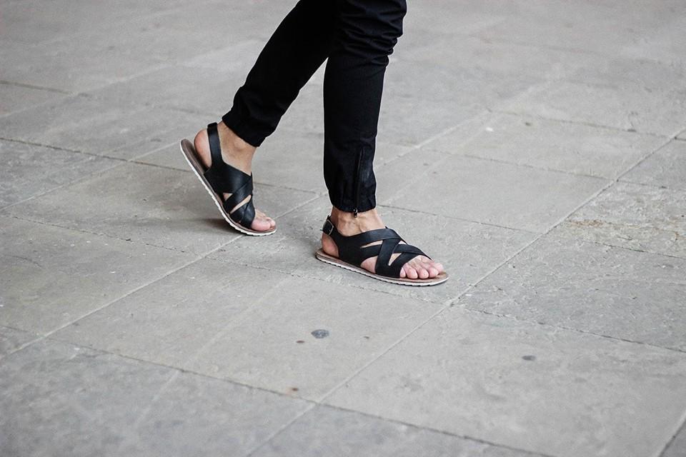 Sandals-men-look