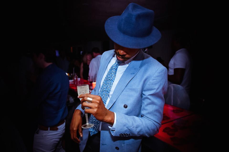 look chapeau cravate homme