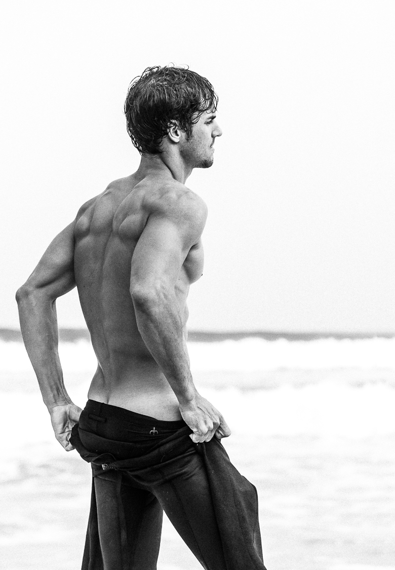 Model Beach Surf