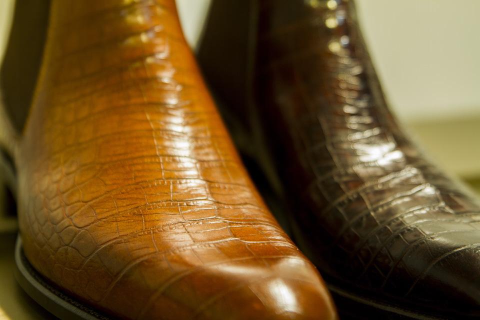 boots carlos santos details