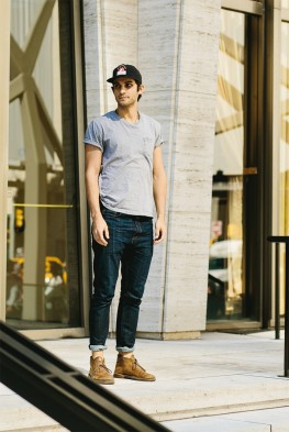 Desert boots look t-shirt