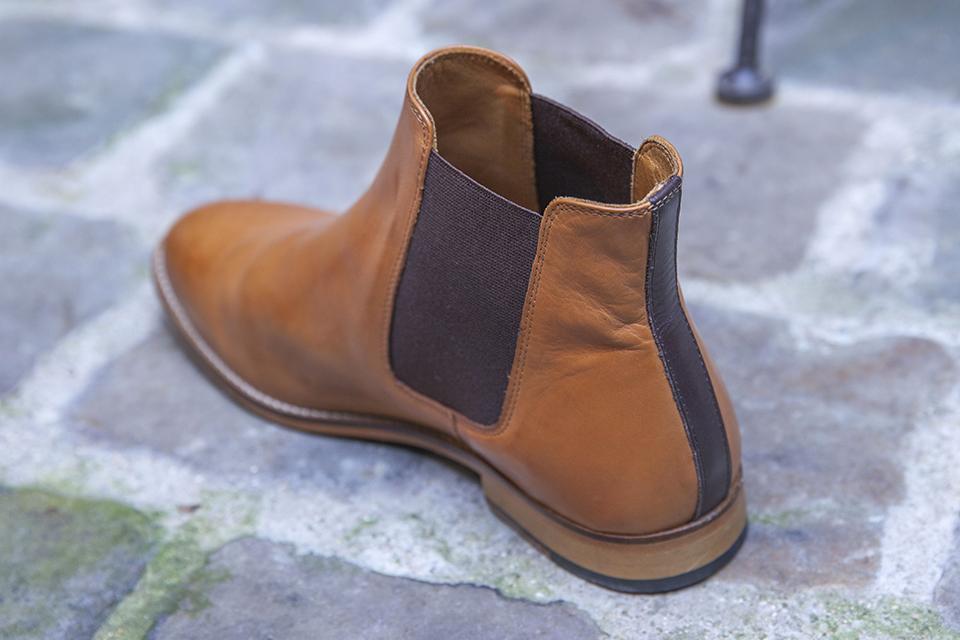 Chelsea boots Pied de biche profil