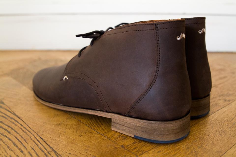 chukka-boots-armand-moustache