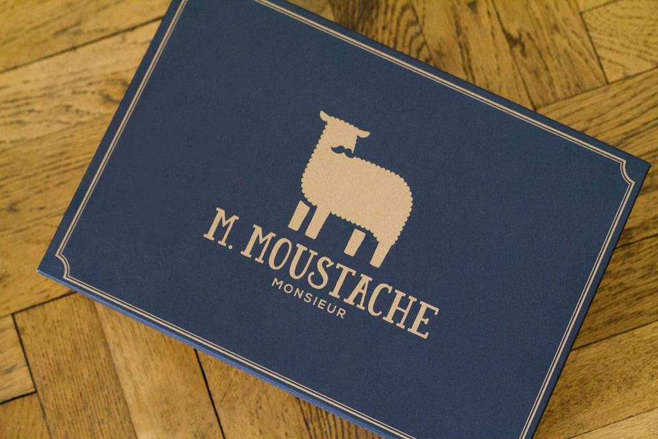 m-moustache-boite
