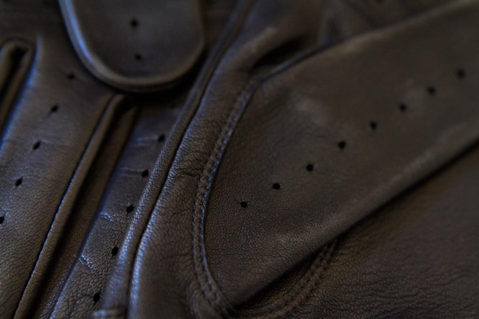 details-gants-dents
