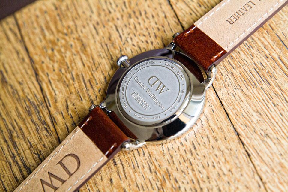 fond-montre-daniel-wellington