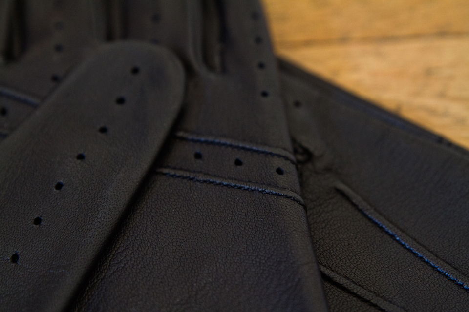 gants-dents-detail